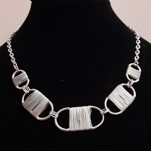 Vintage silver tone wired necklace